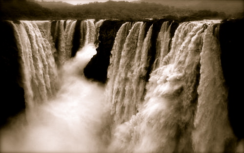 sharavati-river-jog-falls-overflowing